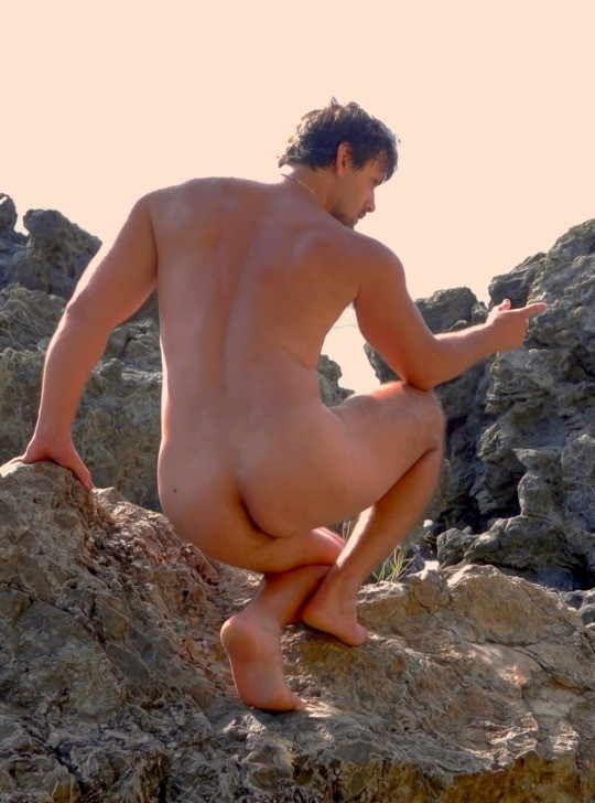 Source: tomsnudeslove.tumblr.com LinkMedia in topic Male life outdoors by uncut2the4