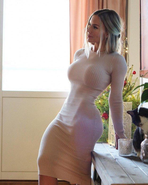 -  LinkMedia in topic tightdresses by Tarnna