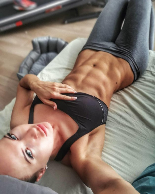 -  LinkMedia in topic Fitness Selfies by PicHunter