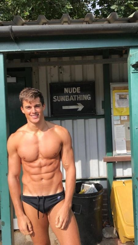 Post in topic hot guys in speedos by Glovie