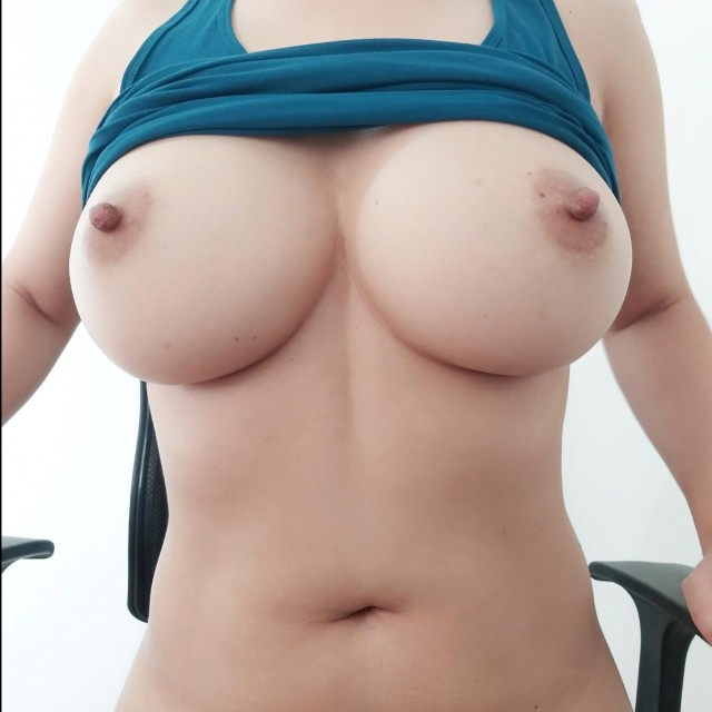 Best Tits of the Day