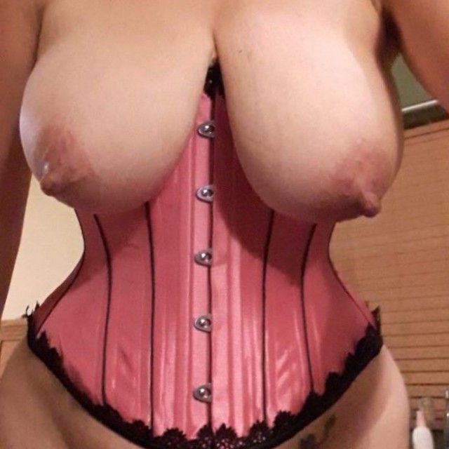 Corset 'n' boobs