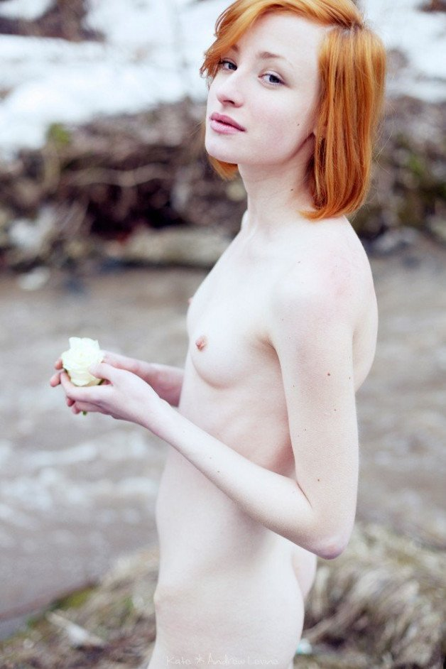 A perfectly porcelain Redhead to finish the day 😍 #pale...
