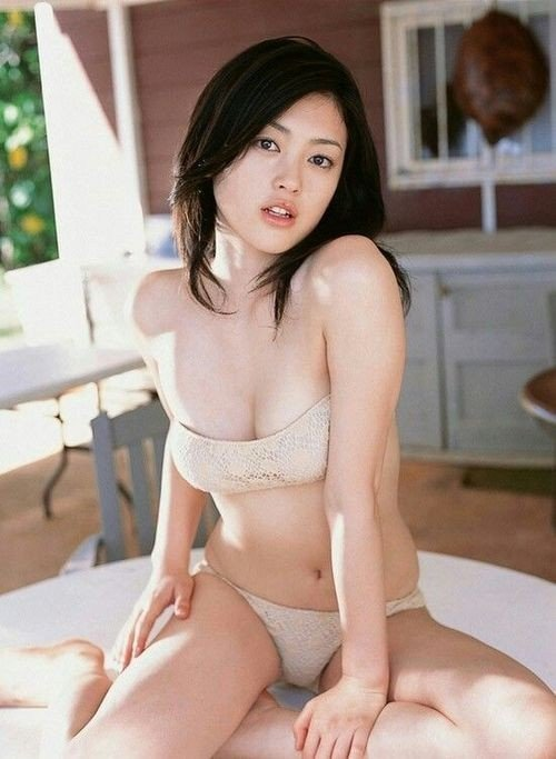 😍😍 Follow us for the best Asian girls posts! 🔁🔁 Share...