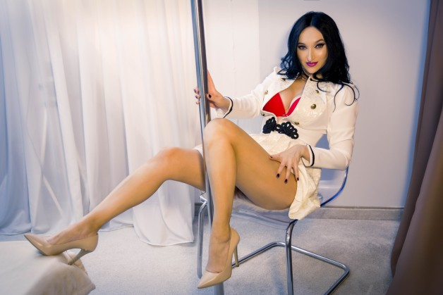 Gracefully giving the best attention and pleasure you need....