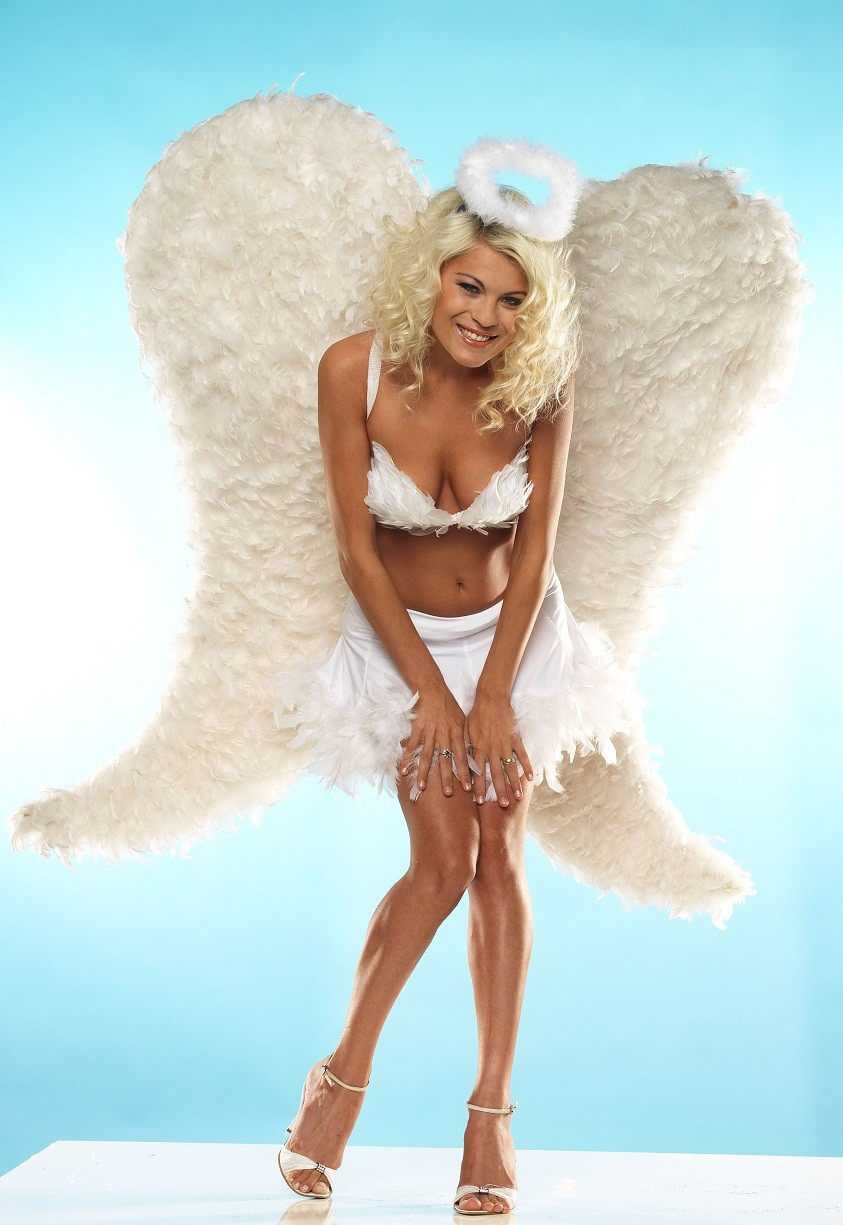 Vote for that Angel at the contest!!!...