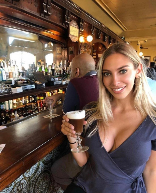 Photo in topic Women Drinking by cndcplecoquine