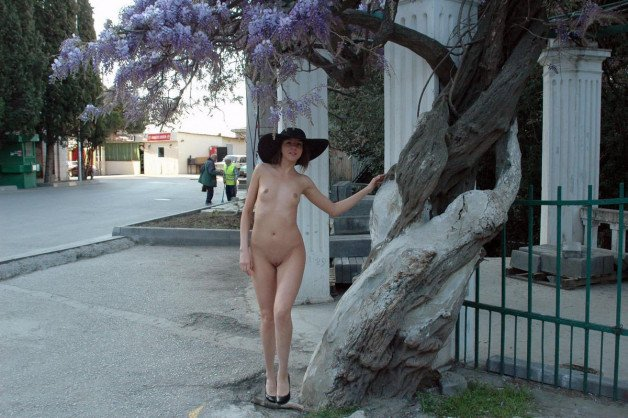 #CallaA #nude #onlyhat #public #nudeinpublic #outdoors-  Album in topic Wearing only a hat by pinkdolphin