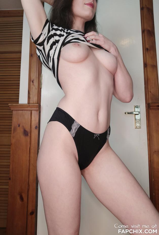 #sexy #adult #fuckable #horny #hot #nsfwgirls #girls #nsfw...