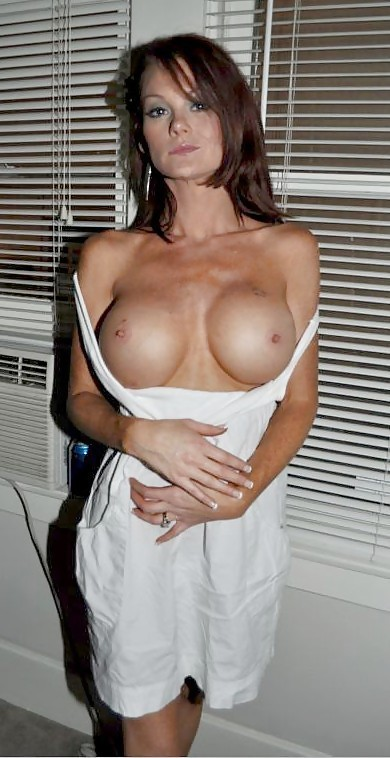 Awesome Milf With Sexy Eyes And Big Boobs Gives Head On Pov Scene