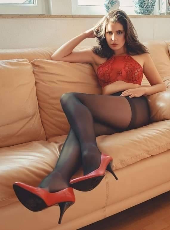 https://www.pantyhosecam.net/tag/pantyhose/f/ Photo by FantasyPantyhose