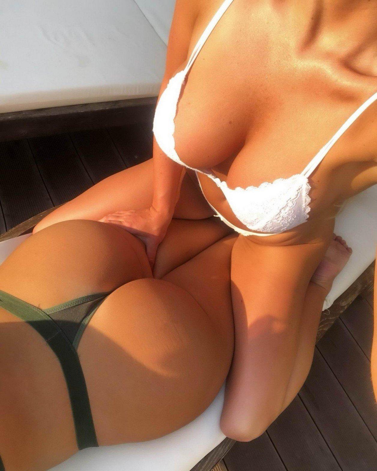 Big ass big boobs latina