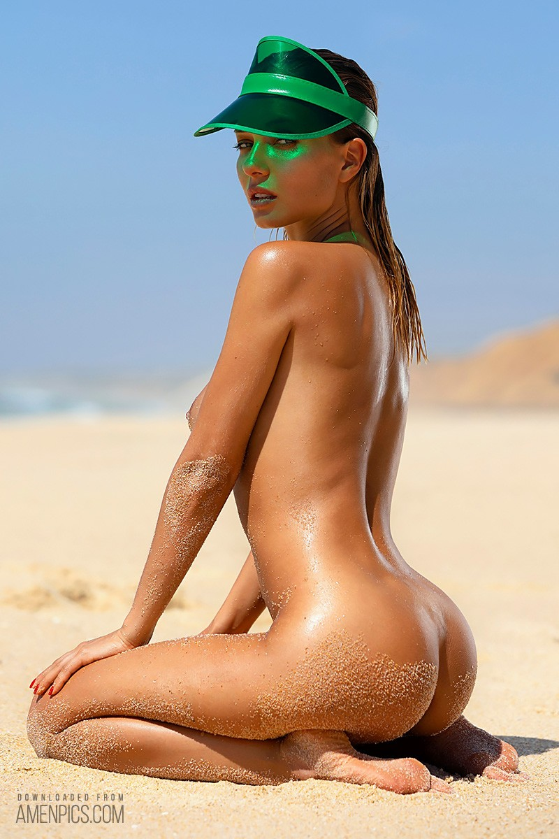 When Russian goddess Natalia Andreeva hits the beach all...