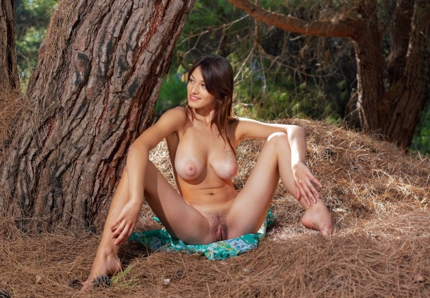 For #Sofi, #NakedSunday is always photoshoot day. Photo in topic NakedInNature by sunflower22a