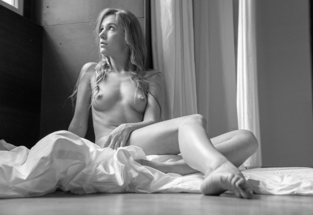 #Alexis thinks, what a grey #NakedSunday.-  Photo in topic Ladies in bed by sunflower22a
