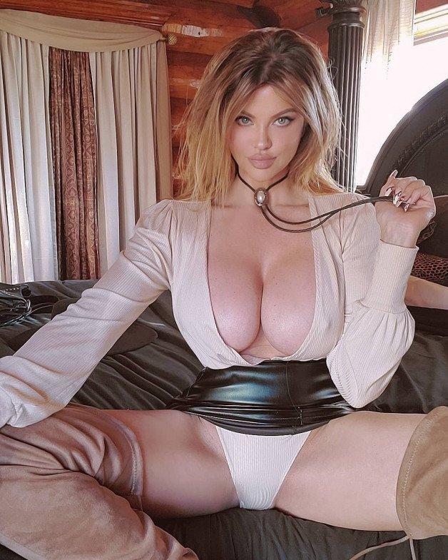 #DanaHamm #Voluptuous #Busty #Curvy #Glamour-  Album in topic Glamour by JBT Feminine