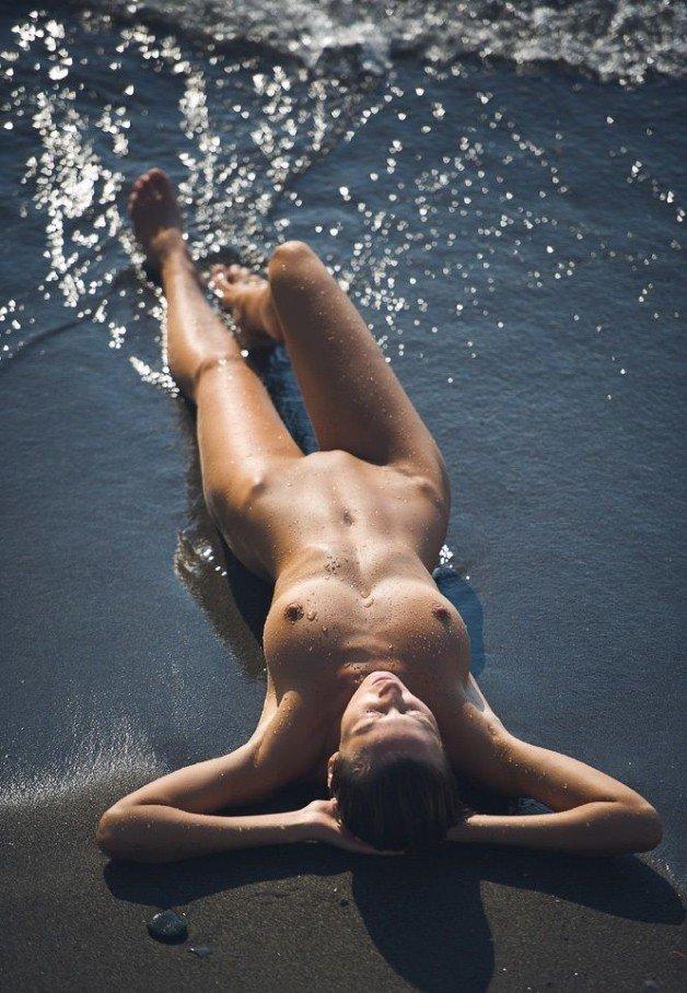 Post in topic Beach Girls by Sem Calcinhas