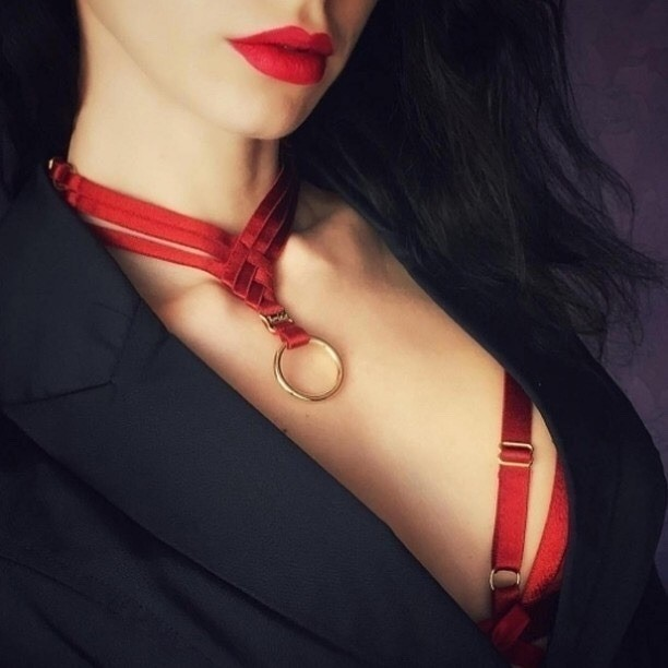 Post in topic Red Lips Red Nails by SOSO5050
