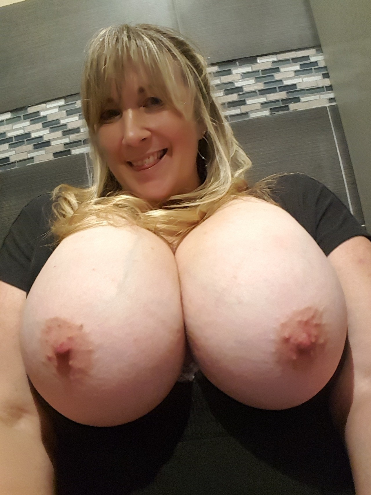 Post in topic Nude Selfies by NaughtyMommy
