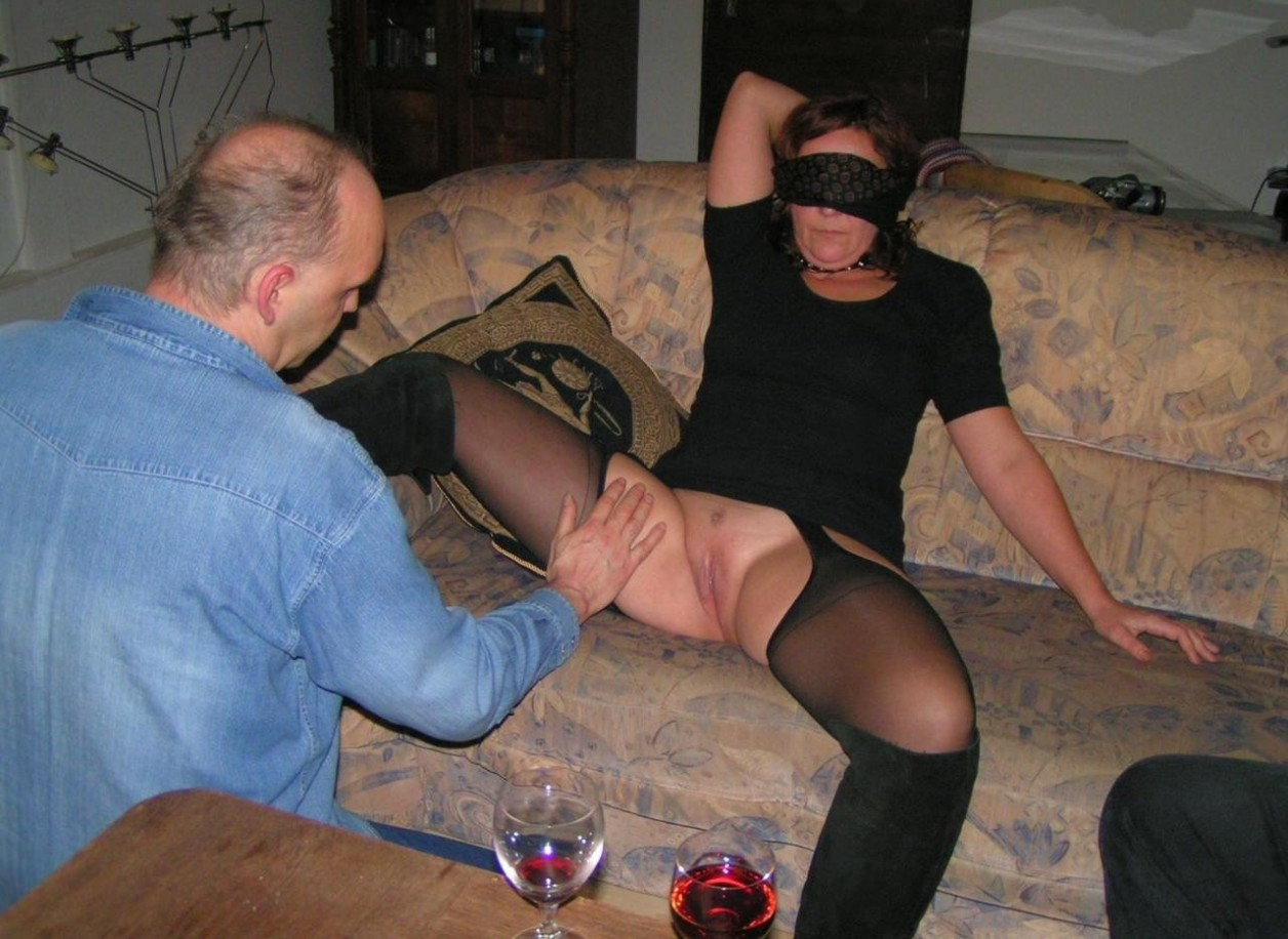 Blindfolded wife tricked to suck cock