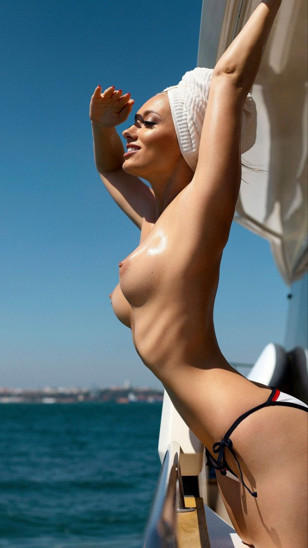 Ahoy  #sexy #braless #nobra #nobraclub #topless #wet #boobs...