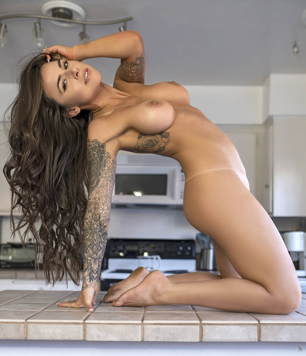 #SuttinSuicide-  Post in topic Girls In Kitchens by Supabitch69
