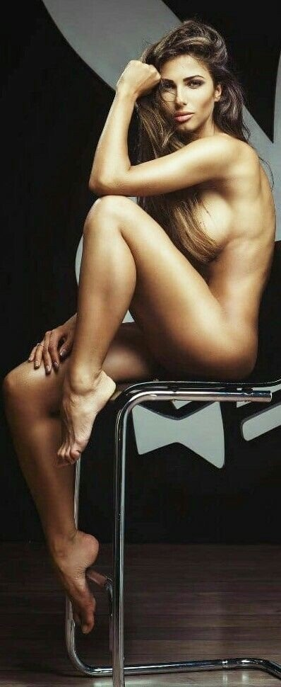 #blonde #blondewoman #body #perfectbody #legs #feet...