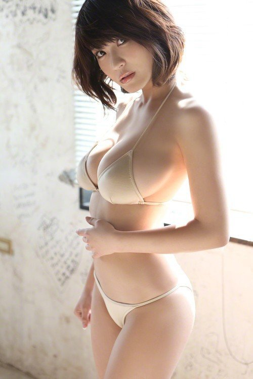 ❤️❤️ Daily Updated - Sexy Asian Babes ❤️❤️  ⭐️⭐️ Follow me...