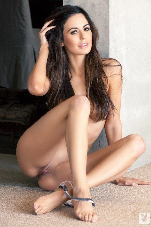 Post in topic Brunette Beauties by eljeffelatino