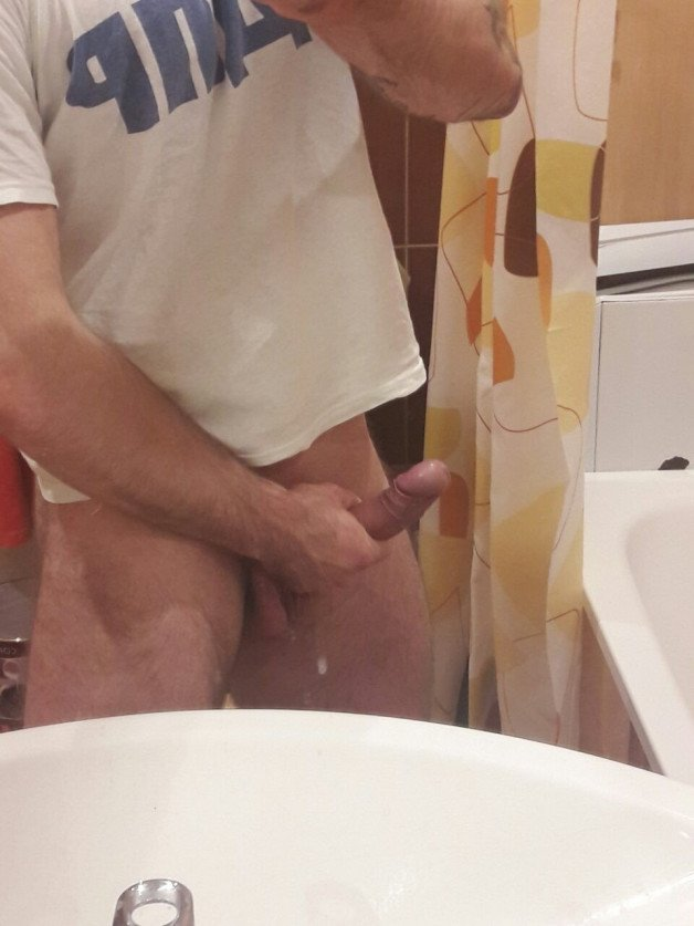 Post in topic DIcks out by HappyCouple31